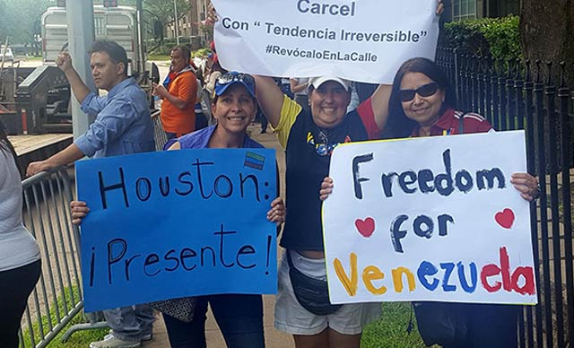 Venezolanos, desde Houston, apoyaron a sus hermanos en Venezuela (Fotos y Video)